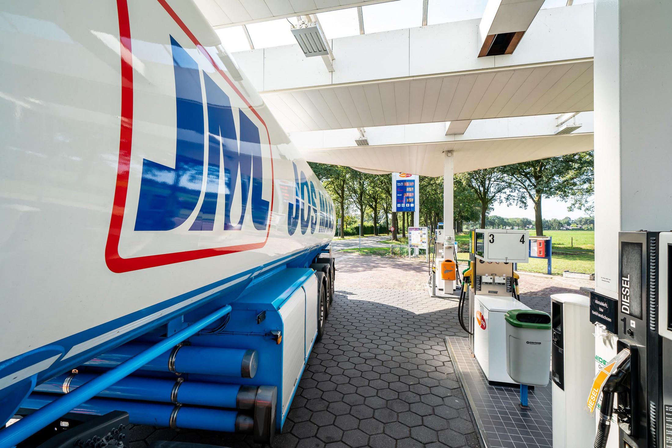 Tankstop Boerdonk met vrachtwagen